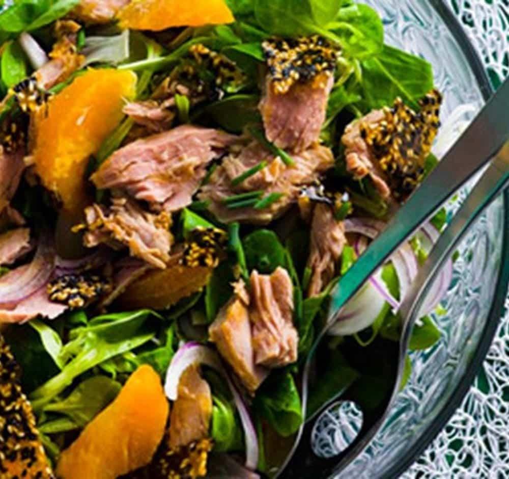 Salada de grava ao pesto e atum