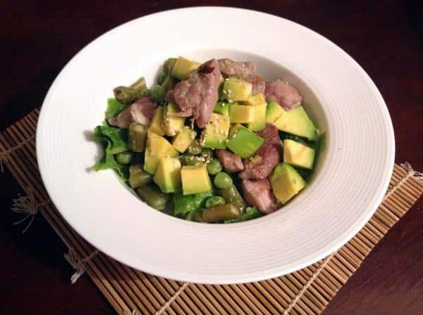 Salada com carne de porco