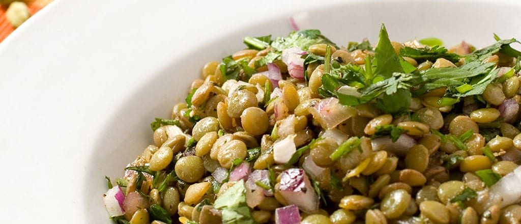 Salada árabe com lentilhas