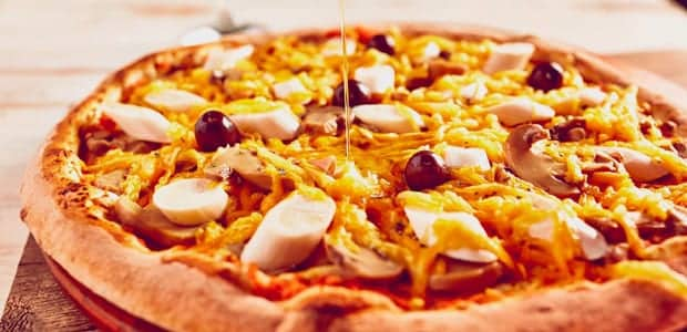 Pizza  de escarola, palmito e champignon