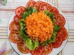 Salada de cenoura com tomate
