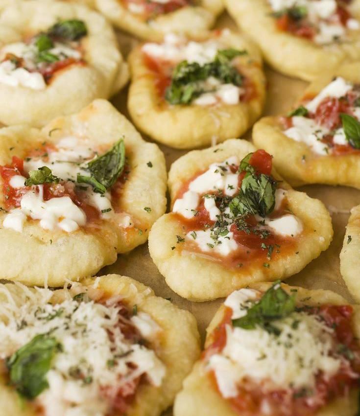 Receita de canapé de pizza com legumes