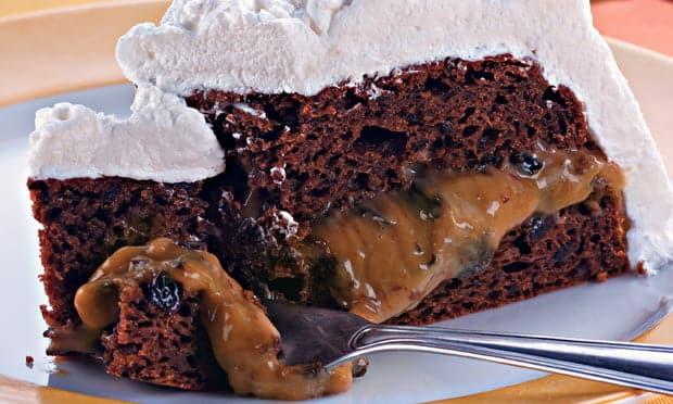 Receita de torta de ameixas e nozes